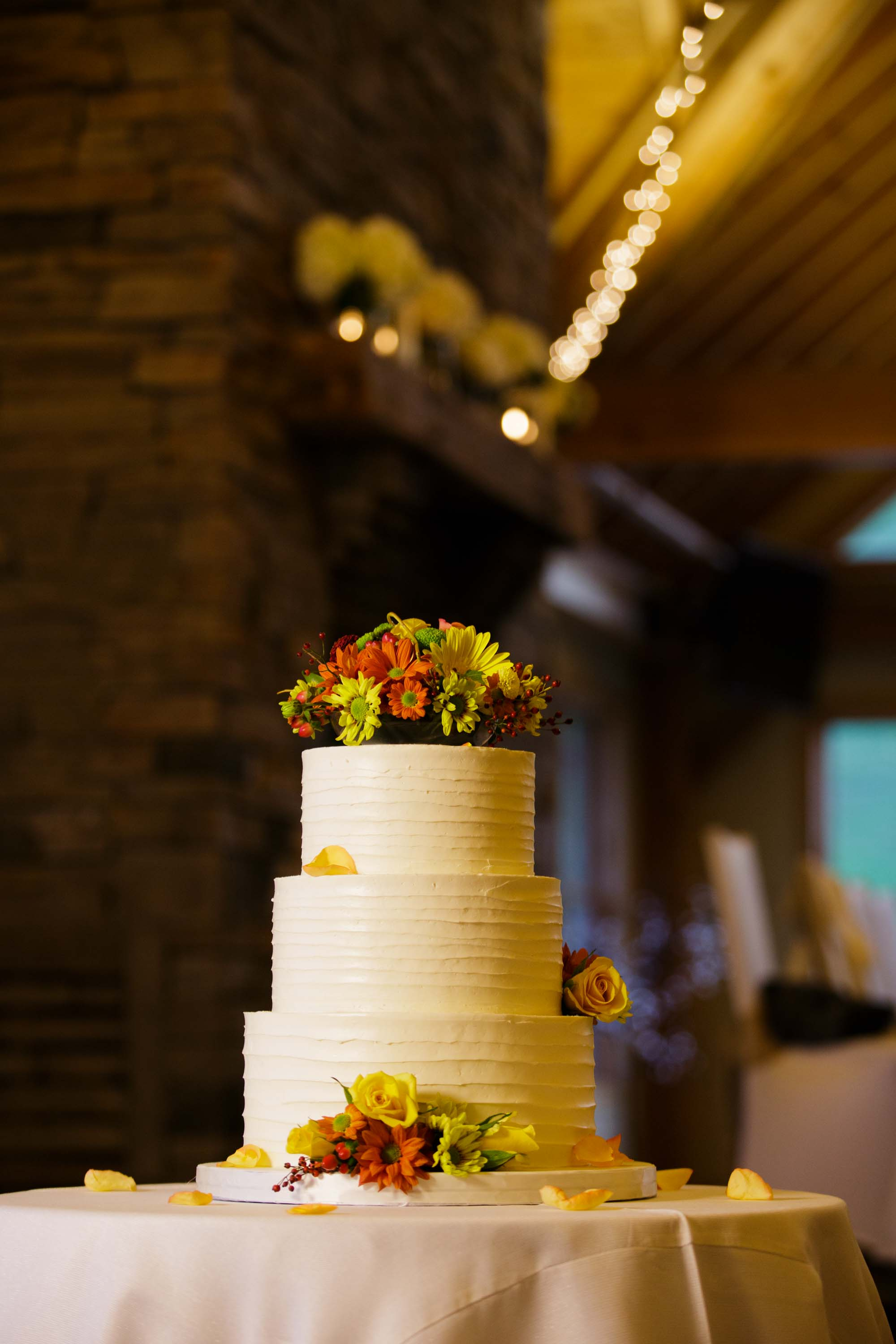 wedding cakes barrie ontario wedding photography at craigleith ski club in blue 23864